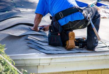 屋根の修理は火災保険でできる?トラブル事例もご紹介
